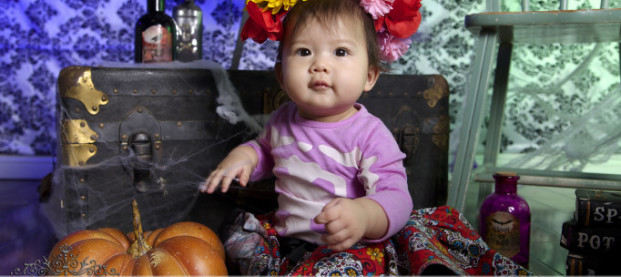 Estela's Halloween Mini